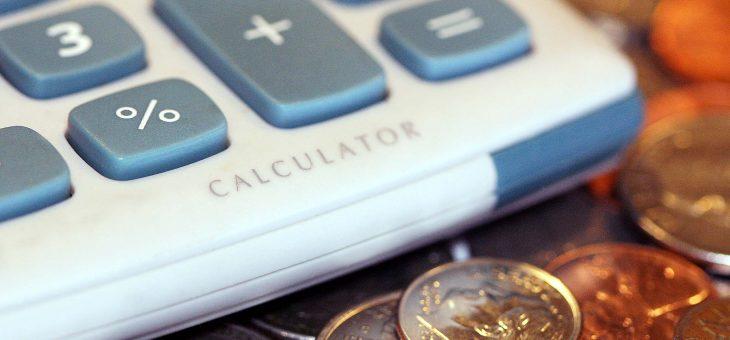 Kiedy bardziej opłaca się pożyczka ratalna od chwilówki? Jakie są zalety pożyczek ratalnych?